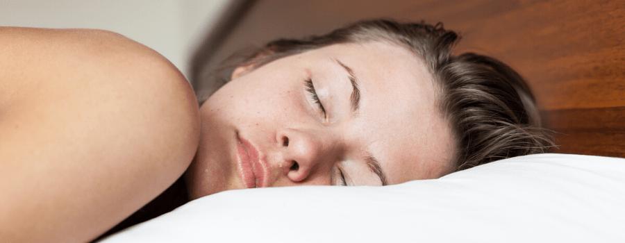 dormir nu pour lutter contre la chaleur