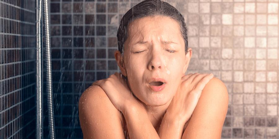 douche froide pour lutter contre la chaleur
